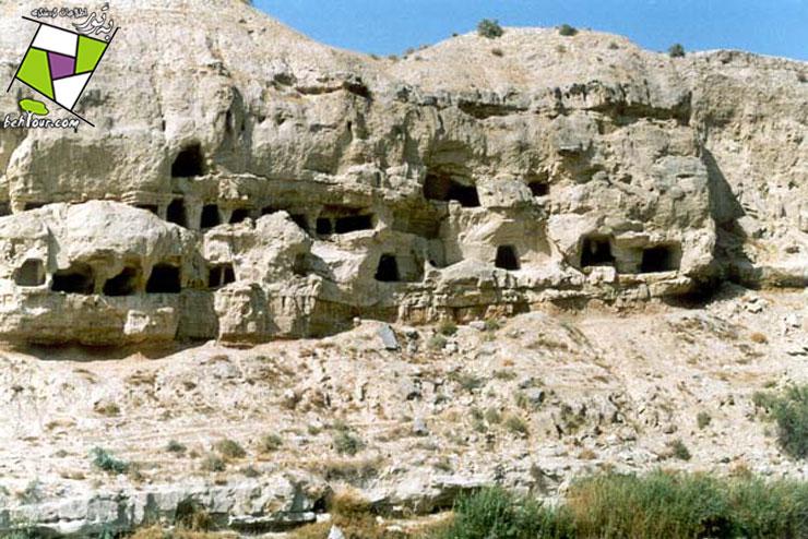 غار چهل خانه دشتستان